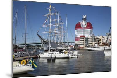 Lilla Bommen Harbour-Stuart Black-Mounted Photographic Print