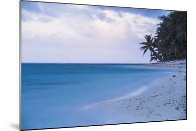 Tropical Beach, Rarotonga, Cook Islands, South Pacific, Pacific-Matthew Williams-Ellis-Mounted Photographic Print