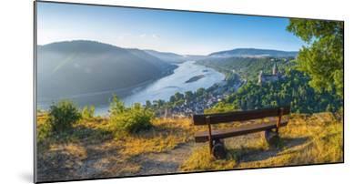 Germany, Rhineland Palatinate, Bacharach and Burg Stahleck (Stahleck Castle), River Rhine-Alan Copson-Mounted Photographic Print