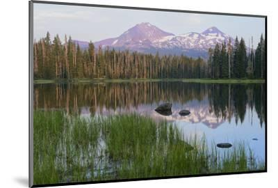 Usa, Pacific Northwest, Oregon Cascades, Scott Lake with Three Sisters Mountains-Christian Heeb-Mounted Photographic Print