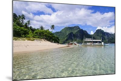 Long Sandy Beach in the Bacuit Archipelago, Palawan, Philippines-Michael Runkel-Mounted Photographic Print