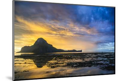 Dramatic Sunset Light over the Bay of El Nido, Bacuit Archipelago, Palawan, Philippines-Michael Runkel-Mounted Photographic Print
