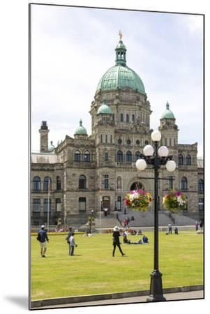 Canada, British Columbia, Victoria. Tourists on Lawn in Front of Parliament Building-Trish Drury-Mounted Photographic Print