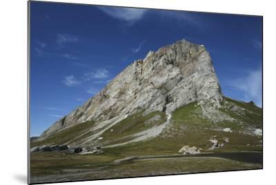 Svalbard, Hornsund, Sor-Spitsbergen National Park, Gnalodden. View of Gnalberget Mountain-Aliscia Young-Mounted Photographic Print