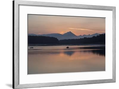 Sunrise over Fairweather Mountains in Glacier Bay National Park and Preserve-Macduff Everton-Framed Photographic Print