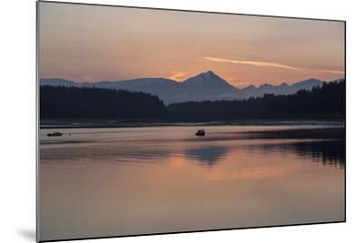 Sunrise over Fairweather Mountains in Glacier Bay National Park and Preserve-Macduff Everton-Mounted Photographic Print