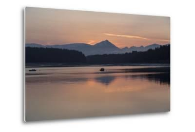Sunrise over Fairweather Mountains in Glacier Bay National Park and Preserve-Macduff Everton-Metal Print