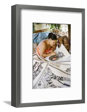 An Artist Works on Traditional Tapa Drawings-Dmitri Alexander-Framed Photographic Print