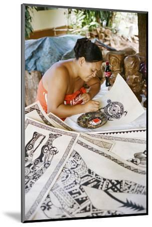 An Artist Works on Traditional Tapa Drawings-Dmitri Alexander-Mounted Photographic Print