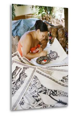 An Artist Works on Traditional Tapa Drawings-Dmitri Alexander-Metal Print