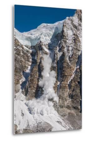 Avalanche Off of the Ling Trin Face-Max Lowe-Metal Print