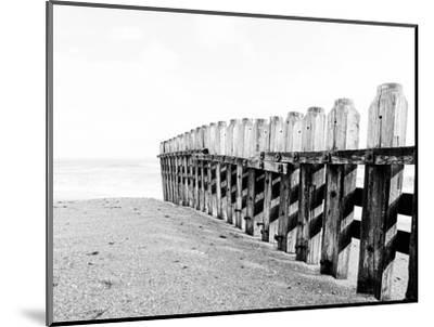 Breakers-Joe Reynolds-Mounted Photographic Print