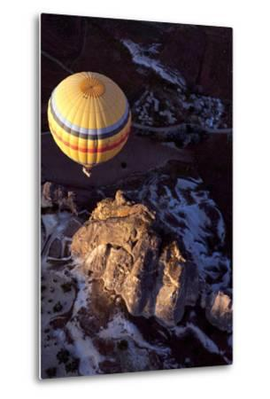 Hot Air Balloon in Turkey-Gonçalo Silva-Metal Print