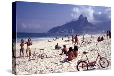 July 1973: Ipanema Beach, Rio De Janeiro-Alfred Eisenstaedt-Stretched Canvas Print