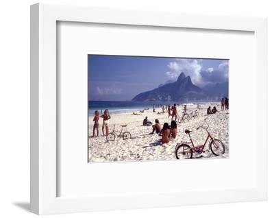 July 1973: Ipanema Beach, Rio De Janeiro-Alfred Eisenstaedt-Framed Photographic Print