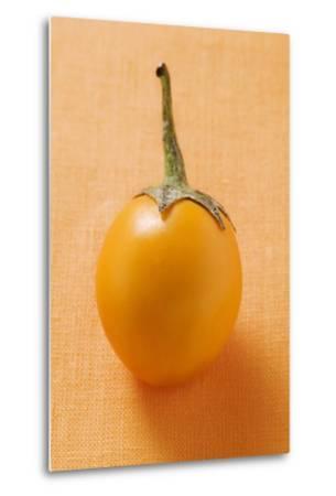 Yellow Baby Aubergine-Foodcollection-Metal Print