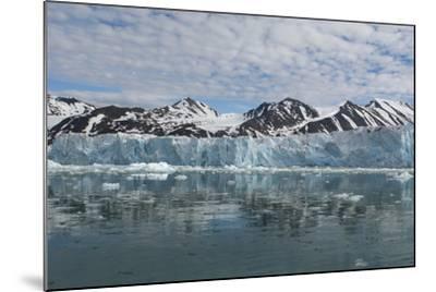 Norway, Barents Sea, Svalbard, Spitsbergen, Northwest Spitsbergen National Park-Cindy Miller Hopkins-Mounted Photographic Print