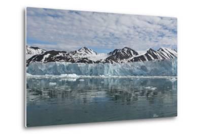 Norway, Barents Sea, Svalbard, Spitsbergen, Northwest Spitsbergen National Park-Cindy Miller Hopkins-Metal Print