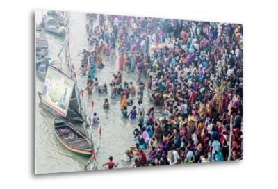 India, Sonepur, Devout Pilgrims Bathing in the Ganges River on Kartik Purnima-Ellen Clark-Metal Print