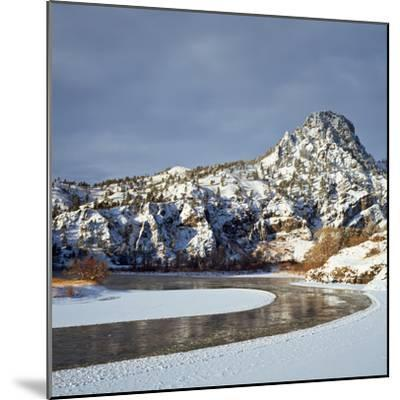 Winter Morning Along the Missouri River Near Hardy, Montana-John Lambing-Mounted Photographic Print