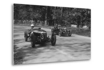 Two Riley Brooklands racing at Donington Park, Leicestershire, 1930s-Bill Brunell-Metal Print