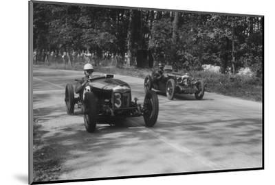 Two Riley Brooklands racing at Donington Park, Leicestershire, 1930s-Bill Brunell-Mounted Photographic Print