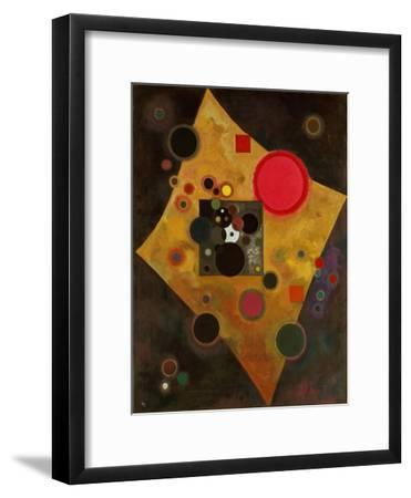 Pink Accent. 1926-Wassily Kandinsky-Framed Giclee Print