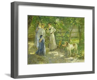 Die Töchter im Garten. 1906-Fritz von Uhde-Framed Giclee Print