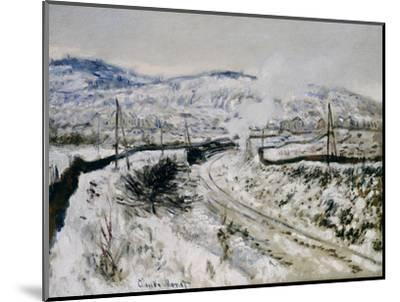 Train in the Snow at Argenteuil. Train dans la Neige a Argenteuil. 1875-Claude Monet-Mounted Giclee Print