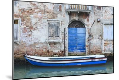 Boat And Blue Door. Venice. Venezia Province. Veneto. Italy-Oscar Dominguez-Mounted Photographic Print