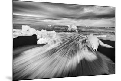 Iceland 83-Maciej Duczynski-Mounted Photographic Print