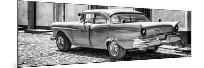 Cuba Fuerte Collection Panoramic BW - Old American Classic Car II-Philippe Hugonnard-Mounted Photographic Print