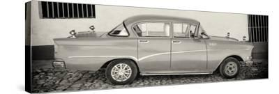 Cuba Fuerte Collection Panoramic BW - Classic Car in Trinidad-Philippe Hugonnard-Stretched Canvas Print