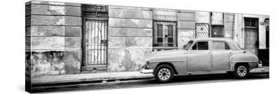 Cuba Fuerte Collection Panoramic BW - Vintage American Car in Havana-Philippe Hugonnard-Stretched Canvas Print