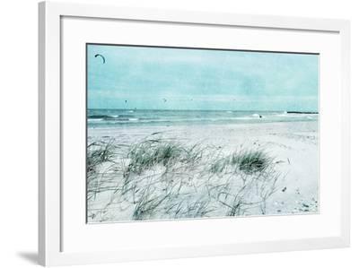 Beach Day-Iris Lehnhardt-Framed Photographic Print
