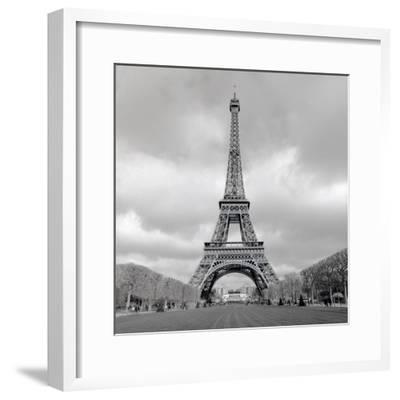 Tour Eiffel #16-Alan Blaustein-Framed Photographic Print