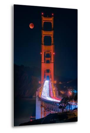 Full blood red moon rising over the Golden Gate Bridge in San Francisco, view from Battery Cranston-David Chang-Metal Print