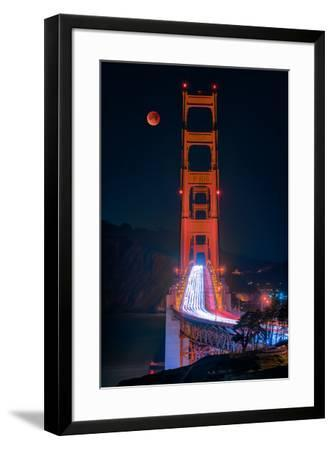 Full blood red moon rising over the Golden Gate Bridge in San Francisco, view from Battery Cranston-David Chang-Framed Premium Photographic Print