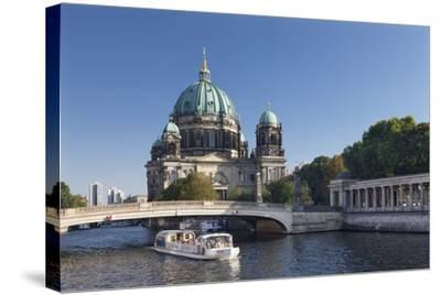 Excursion boat on Spree River, Berliner Dom (Berlin Cathedral), UNESCO World Heritage, Berlin-Markus Lange-Stretched Canvas Print