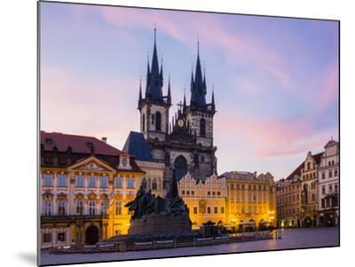 Czech Republic, Prague, Stare Mesto (Old Town). Tyn Cathedral on Staromestske namesti, Old Town Squ-Jason Langley-Mounted Photographic Print