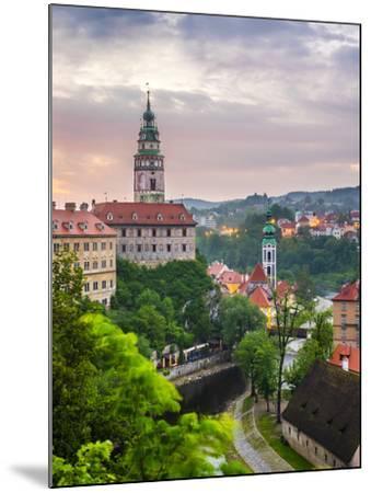 Czech Republic, South Bohemian Region, Cesky Krumlov. Cesky Krumlov Castle and buildings in old tow-Jason Langley-Mounted Photographic Print