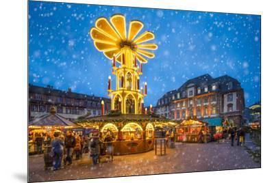 Christmas market on the marketplace in Heidelberg, Baden-Württemberg, Germany-Jan Christopher Becke-Mounted Photographic Print