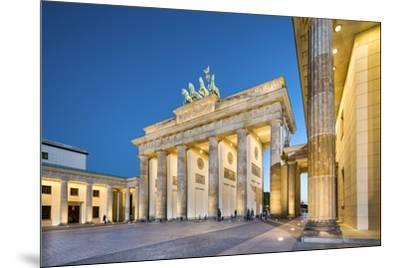 Brandenburg Gate, Pariser Platz, Berlin, Germany-Sabine Lubenow-Mounted Photographic Print
