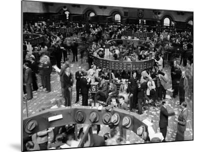 1940s Trading in Progress on Floor of New York Stock Exchange NYC--Mounted Photographic Print