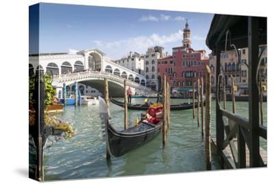 Rialto Bridge, Venice, UNESCO World Heritage Site, Veneto, Italy, Europe-Frank Fell-Stretched Canvas Print