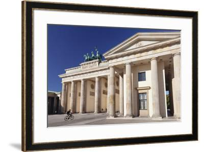 Brandenburg Gate (Brandenburger Tor), Pariser Platz square, Berlin Mitte, Berlin, Germany, Europe-Markus Lange-Framed Photographic Print