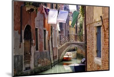 Clothes lines, Venice, UNESCO World Heritage Site, Veneto, Italy, Europe-Hans-Peter Merten-Mounted Photographic Print