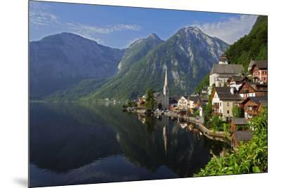 Town of Hallstatt, UNESCO World Heritage Site, on Lake Hallstatt, Salzkammergut, Upper Austria, Aus-Hans-Peter Merten-Mounted Photographic Print