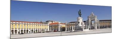 Arco da Rua Augusta triumphal arch, King Jose I Monument, Praca do Comercio, Baixa, Lisbon, Portuga-Markus Lange-Mounted Photographic Print