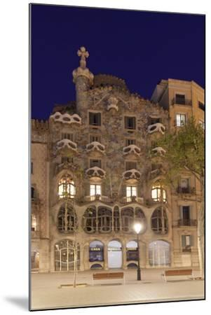 Casa Batllo, Antonio Gaudi, Modernisme, UNESCO World Heritage Site, Passeig de Gracia, Eixample, Ba-Markus Lange-Mounted Photographic Print